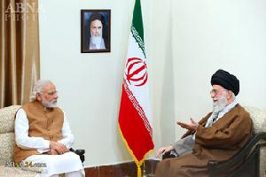 Imam Khamenei: Anti-terrorism fight must be handed to Islamic nations